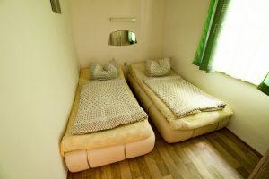 Zweibett-Zimmer der Waldpension Giegengrün